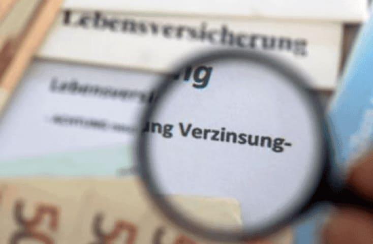 WEGEN MINI-ZINSEN Deutsche legen ihre Lebensversicherungen auf Eis