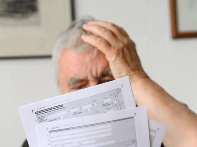 Neues Gesetz illegal? Millionen Sparer betroffen: Staat kassiert jetzt sogar bei Verlusten Steuern