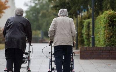 Gewaltige Kluft zwischen Rente und Beamten-Pension – Altersarmut droht